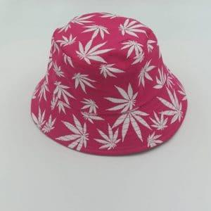 כובע טמבל גראס רקע וורוד