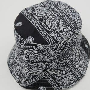 כובע טמבל בנדנות שחור