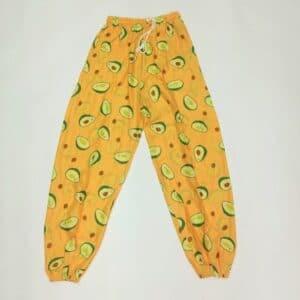 מכנסי שרוואל אבוקדו רקע צהוב