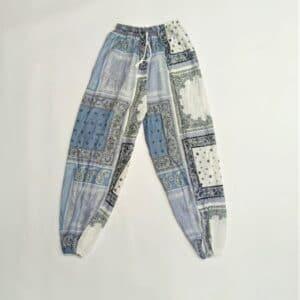 מכנסי שרוואל הדפס בנדנה אפור לבן